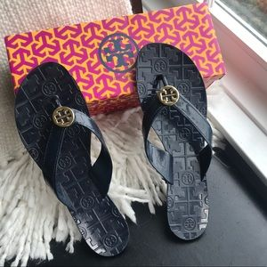 Tory Burch NIB Navy Flip flops Jelly Thora